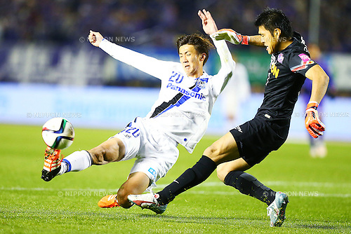 (L-R)<br /> Shun Nagasawa (Gamba),<br /> Takuto Hayashi (Sanfrecce),<br /> DECEMBER 5, 2015 - Football / Soccer : <br /> 2015 J.League Championship Final 2nd leg match<br /> between Sanfrecce Hiroshima - Gamba Osaka<br /> at Hiroshima Big Arch in Hiroshima, Japan.<br /> (Photo by Shingo Ito/AFLO SPORT)