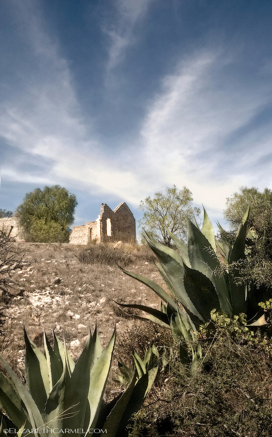 Afternoon Sky, Pozos
