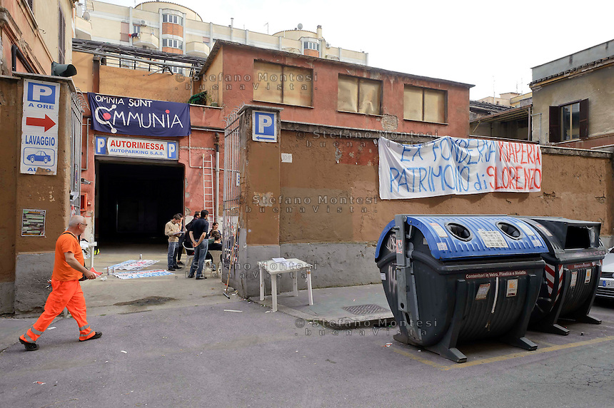 Roma, 24  Aprile 2013.Occupata le ex fonderia  in via dei Sabelli al quartiere San Lorenzo dai giovani del Progetto Communia.....