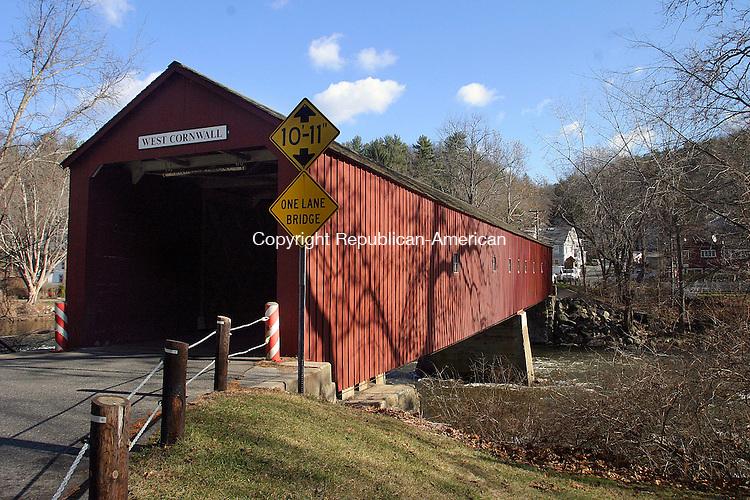 CORNWALL, CT. 02 DECEMBER 03_NEW_120208DA02.jpg-Covered Bridge in Cornwall for What's in a name.  REPUBLICAN/AMERICAN  Darlene Douty