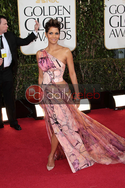 Halle Berry<br /> at the 70th Annual Golden Globe Awards Arrivals, Beverly Hilton Hotel, Beverly Hills, CA 01-13-13<br /> David Edwards/DailyCeleb.com 818-249-4998