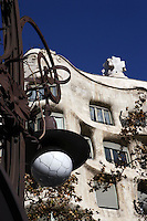 Gaudi standing lamp (detail) in front of La Pedrera (Casa Milà), Barcelona, Catalonia, Spain, built by Antoni Gaudí (Reus 1852 ? Barcelona 1926), 1906 - 1910, for the Milà Family, with Josep Maria Jujol as architect collaborator and with Joan Beltran as a plaster. One of the main Gaudi residential buildings. Picture by Manuel Cohen
