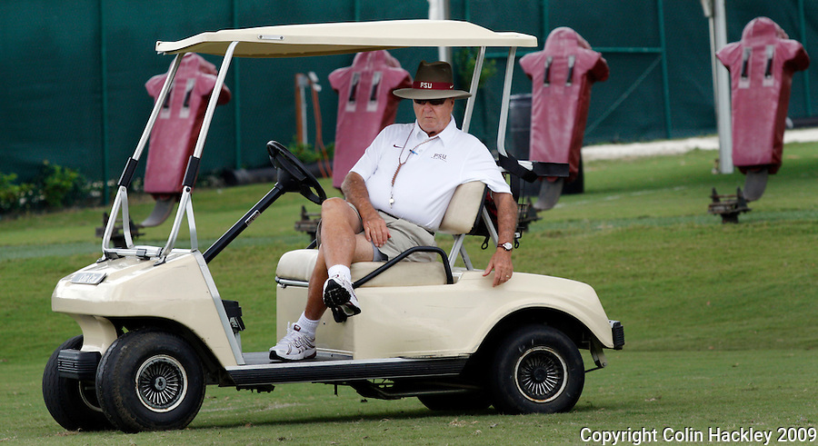 TALLAHASSEE, FL. 8/14/09-FSU-BOWDEN 0814 CH01-Florida State Coach Bobby Bowden watches practice Friday in Tallahassee...COLIN HACKLEY PHOTO