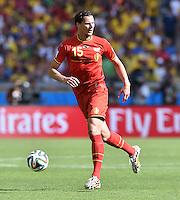FUSSBALL WM 2014  VORRUNDE    Gruppe H     Belgien - Algerien                       17.06.2014 Daniel van Buyten (Belgien) am Ball
