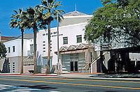 Koning Eizenberg: Ken Edwards Center for community services. 1527 4th St., Santa Monica 1986-89.  Photo '04.