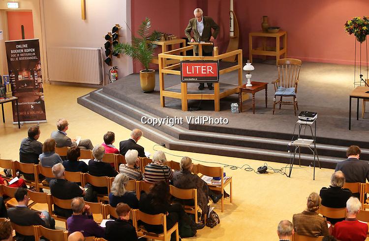Foto: VidiPhoto<br /> <br /> UTRECHT - Sfeerimpressie van de C. S. Lewisdag zaterdag in de Tuindorpkerk in Utrecht. Op 22 november is het 50 jaar geleden dat de Engelse christelijke schrijver, wetenschapper en apologeet C. S. Lewis overleed. Foto: Toespraak Bart Jan Spruyt.