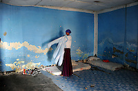 ..Death or Play. Women&acute;s Basketball in Mogadishu.Women's basketball? In Europa and the U.S., we take it for granted. But consider this: In Mogadishu, war-torn capital of Somalia, young women risk their lives every time they show up to play..Suweys, the captain of the Somali women&acute;s basketball team, and her friends play the sport of the deadly enemy, called America. This is why they are on the hit list of the killer commandos of Al Shabaab, a militant islamist group, that has recently formed an alliance with the terrorist group Al Qaeda and control large swathes of Somalia...Al Shabaab, who sets bombs under market stands, blows up cinemas, and stones women, has declared the female basketball players ?un-islamic?. One of the proposed punishments is to saw off their right hands and left feet. Or simply: shoot them...Suweys&acute; team trains behind bullet-ridden walls, in the ruins of the failed city of Mogadishu - protected by heavily armed gun-men. The women live in constant fear of the islamist killer commandos. Stop playing basketball? Never, they say..Women&acute;s basketball in the world&acute;s most dangerous capital..