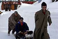 Members of the Indian middle class come to Gulmarg to enjoy the stunning views and sledge rides. Skiing amongst Indians is still relatively unusual.