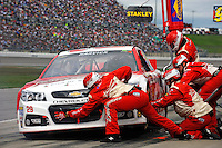 2013 Hollywood Casino 400 at Kansas Speedway