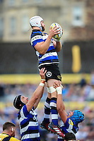 Dave Attwood of Bath Rugby wins the ball at a lineout. Aviva Premiership match, between Bath Rugby and Worcester Warriors on September 17, 2016 at the Recreation Ground in Bath, England. Photo by: Patrick Khachfe / Onside Images