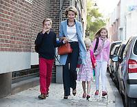 Queen Mathilde of Belgium brings her kids to their 1st day of classes - Belgium