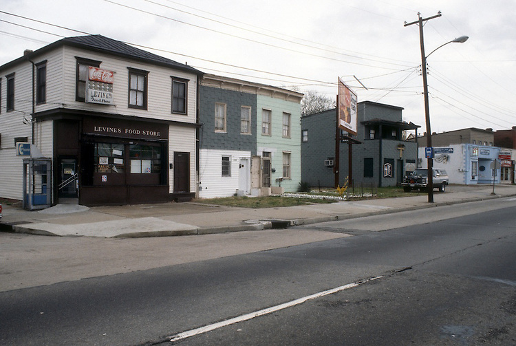 1990 February 23..Conservation.Central Brambleton..CORNER OF ROSEWELL & BRAMBLETON...NEG#.NRHA#..