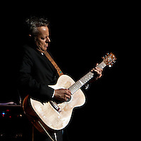 Guitar virtuoso Tommy Emmanuel performing at Hamer Hall, 16 June 2009