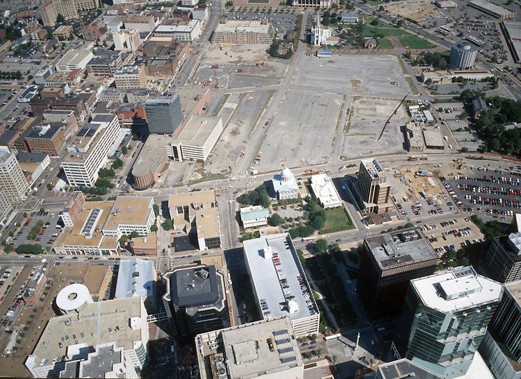 1996 September 22..Redevelopment..Macarthur Center.Downtown North (R-8)..LOOKING NORTH...NEG#.NRHA#..