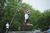 FIERLJEPPEN: IT HEIDENSKIP: 03-06-2013, 1e Klas wedstrijd, Senioren Topklasse, Hannes Scherjon, ©foto Martin de Jong