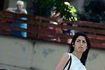 Virginia Raggi fa un blitz a Tor Bella Monaca per l'emergenza topi