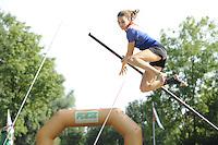 FIERLJEPPEN: GRIJPSKERK: 27-08-2016, Nederlands Kampioenschap Fierljeppen/Polsstokverspringen, Dymphie van Rooijen wint met 15.35 meter (dames), ©foto Martin de Jong