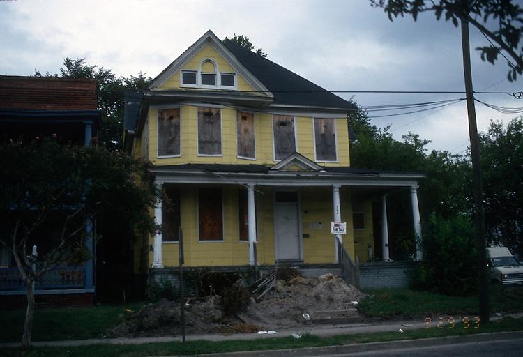 1993 September 29..Conservation.Park Place..ACQUISITION.300 WEST 27TH STREET...NEG#.NRHA#..