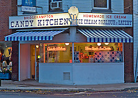New York, Bridgehampton, Candy Kitchen, South Fork, Long Island, Dusk