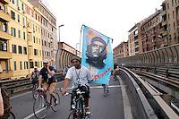 Roma 28 Maggio 2008..Critical Mass 2008..Coincidenza organizzata di ciclismo critico urbano..Rome May 28, 2008..Critical Mass 2008 .Organized coincidence of critical urban cycling..