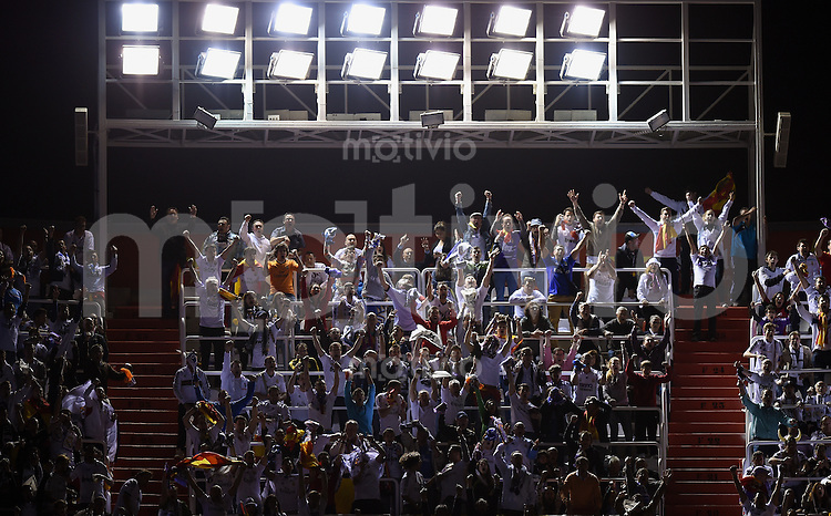 FUSSBALL  INTERNATIONAL Copa del Rey FINALE  2013/2014    FC Barcelona - Real Madrid            16.04.2014 Real Madrid Fans feiern den Sieg