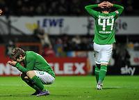 FUSSBALL   1. BUNDESLIGA   SAISON 2011/2012   23. SPIELTAG SV Werder Bremen - 1. FC Nuernberg                   25.02.2012 Marko Marin (li) und Philipp Bargfrede (re, beide SV Werder Bremen)  sind enttaeuscht