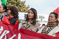 Milano, 20 ott 2016, manifestazione della comunit&agrave; cinese contro la cittadinanza onoraria di Milano al Dalai Lama.<br /> Milan, oct 20 2016, protest of the Chinese community against the honorary citizenship to the Dalai Lama.