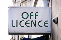 Off Licence Sign - Aug 2013.