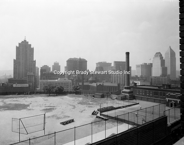 Pittsburgh PA:  View of downtown Pittsburgh and the Duquesne athletic field from the bluff - 1932