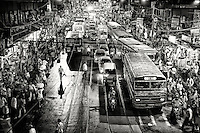 A Chaotic street scene in Kolkata.