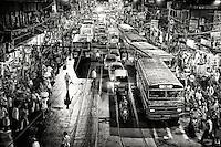 A Chaotic street scene in Kolkata.