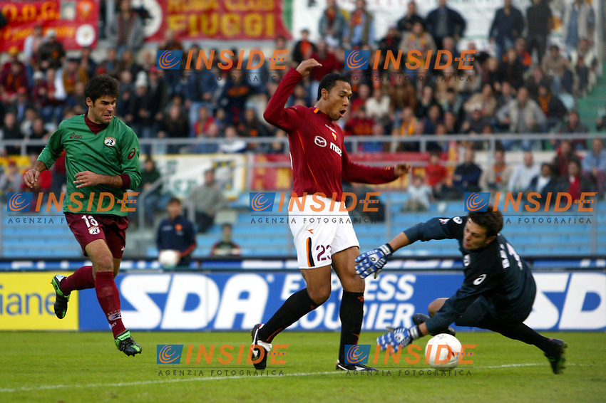 Roma 2/11/2003 <br /> Roma Reggina 2-0 <br /> John Carew (Roma) segna il gol del 2-0<br /> John Carew (Roma) scores 2-0 for AS Roma<br /> Foto Andrea Staccioli Insidefoto