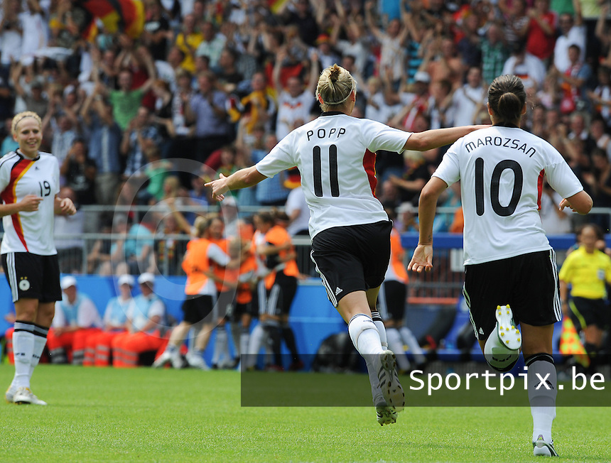 Germany - Nigeria : Alexandra Popp scoort de 1-0 voor Duitsland<br /> foto David Catry / nikonpro.be