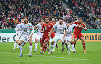 FUSSBALL  DFB POKAL       SAISON 2012/2013 FC Bayern Muenchen - 1 FC Kaiserslautern  31.10.2012 (v.li.) Enis Hajri (1. FC Kaiserslautern) gegen Emre Can (FC Bayern Muenchen) gegen Florian Dick (1. FC Kaiserslautern) gegen Marc Torrejon  (1. FC Kaiserslautern) gegen Claudio Pizarro (FC Bayern Muenchen)