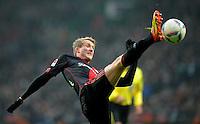 FUSSBALL   1. BUNDESLIGA   SAISON 2011/2012   19. SPIELTAG Werder Bremen - Bayer 04 Leverkusen                    28.01.2012 Andre Schuerrle (Bayer 04 Leverkusen)  Einzelaktion am Ball