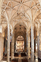 Portugal, Belem: Interior of church of Mosteiro dos Jeronimos (Jeronimos monastery) in European Gothic and Manueline styles | Portugal, Belem: Kirchenschiff der Klosterkirche des Mosteiro dos Jeronimos (Jeronimos Kloster) im gotischen und manuelinischem Stil
