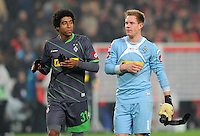 FUSSBALL   1. BUNDESLIGA  SAISON 2011/2012   19. Spieltag   29.01.2012 VfB Stuttgart - Borussia Moenchengladbach    Dante Bonfim (li,) mit Torwart Marc Andre ter Stegen (Borussia Moenchengladbach)