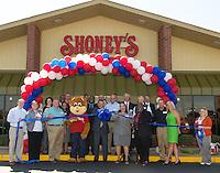 Shoney's West Ribbon Cutting