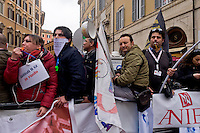 Roma 17 Marzo 2015<br /> Manifestazione dei precari della scuola, 4mila da tutt&rsquo;Italia,davanti a Montecitorio, contro il decreto legge sulla scuola, del governo Renzi, che li esclude dalle assunzioni.<br /> Rome March 17, 2015<br /> Demostration of temporary school, 4 thousand from all over Italy,in front of Deputies, against the education reform package known as 'Good school' set up by Renzi's government, which excludes them from employment.