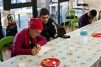 Roma 28 Dicembre 2011.Centro diurno per senzatetto 'Binario 95' in via Marsala 95.Day center for homeless people  'Track 95', Via Marsala.