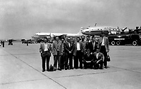 The Sabena Belgian airline basketball team arriving in Melsbroek (Belgium, 1954)