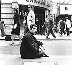 Paul Simon 1965 in London..© Chris Walter..