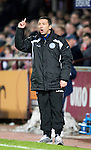 Hearts v St Johnstone....11.01.11  Scottish Cup.Derek McInnes makes a point to his players.Picture by Graeme Hart..Copyright Perthshire Picture Agency.Tel: 01738 623350  Mobile: 07990 594431