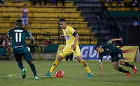 Floridablanca -Colombia,14-05-2017.Yulian Anchico Player of Bucaramanga .  Action game between Bucaramanga and Equidad during match for the date 18 of the Aguila League I 2017 played at Alvaro Gomez stadium . Photo:VizzorImage / Oscar Martinez  / Contribuidor