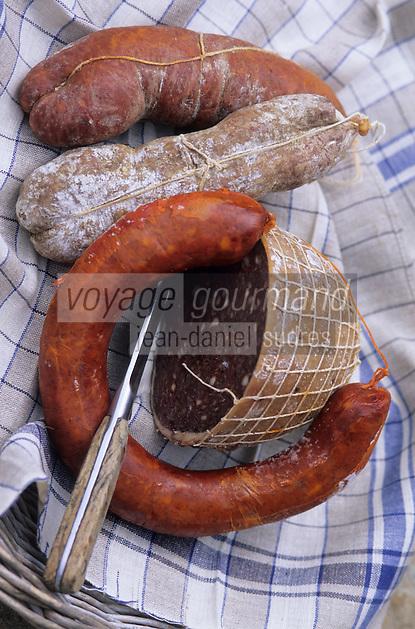 Europe/Espagne/Baléares/Minorque : Charcuteries traditionnelles - Sobrassada fraiche, sobrassada vieillie, carn i xua, camot