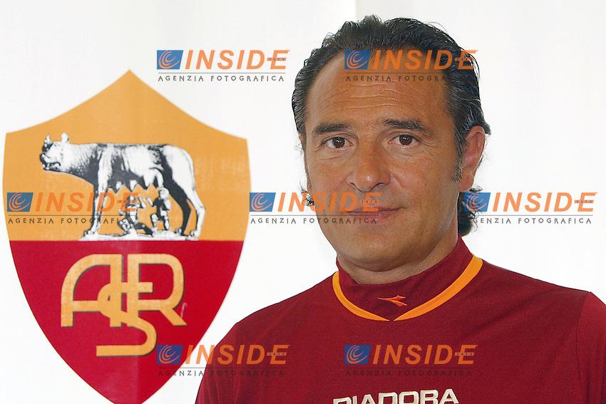 Roma 14/7/2004 <br /> <br /> Conferenza stampa dell'allenatore dell'AS Roma Cesare Prandelli nel centro sportivo di Trigoria.<br /> <br /> Cesare Prandelli AS Roma Trainer<br /> <br /> Photo Andrea Staccioli Insidefoto