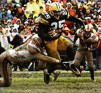 Green Bay Packers running back Dorsey Levens rushes against the San Francisco 49ers in the 1996-96 Division Playoffs on January 4, 1997. The Packers won the contest 35-14.