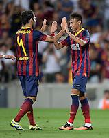 FUSSBALL  INTERNATIONAL   SAISON 2011/2012   02.08.2013 Gamper Cup 2013 FC Barcelona - FC Santos JUBEL Barca; Neymar (re) klatscht Cesc Fabregas ab
