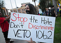SB 1062 opponents pressure Gov. Brewer to veto bill