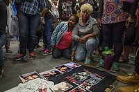 """NEW YORK APRIL 21Harlem pays tribute to Prince at the Apollo Theater . During the course of his legendary career, Prince made several appearances at the famed Apollo Theater in Harlem, and the theater played his music as the marquee read """"Nothing Compares 2 U"""".The pop star die a few hours ago at the age of 57. in Harlem, New York City, Friday, April 21, 2016. Photo by VIEWpress/Maite H. Mateo"""